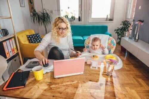 Hoe tijdens het thuiswerken voor je kinderen te zorgen