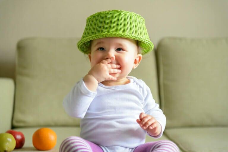 De schattenmand: een spel voor baby's