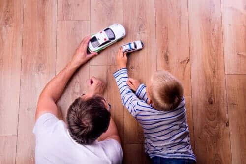 Vader en zoon spelen