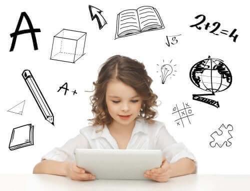 Meisje leert met een tablet