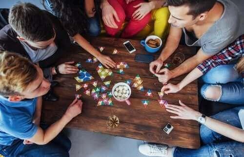 5 bordspellen om de aandacht te verbeteren