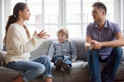 Ouders maken ruzie in het bijzijn van hun kind