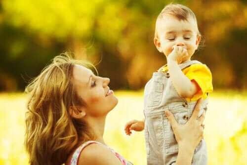 Baby kan in zijn eerste jaar staan
