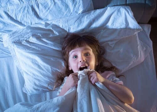 Meisje met nachtmerrie