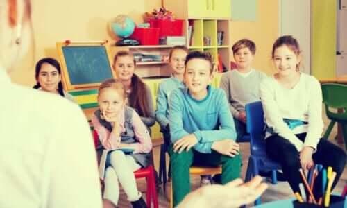 Leerlingen in een klaslokaal