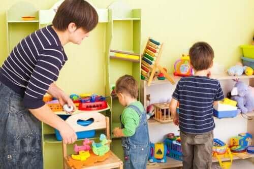 8 ideeën om kinderen te leren georganiseerd te zijn