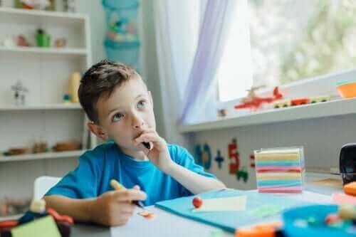 Hoe je met kinderen kunt praten, zodat ze leren zelfstandig te denken