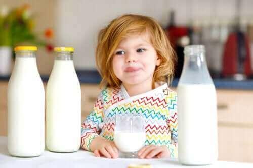 De allergie voor koemelkeiwit bij kinderen