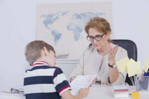 Waarom haalt je kind slechte cijfers en hoe kan je helpen?