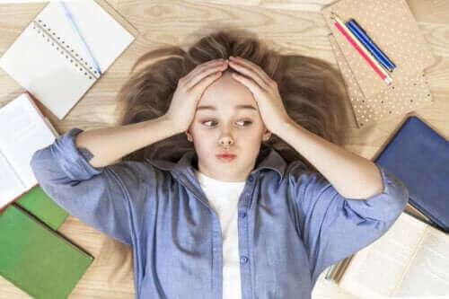 Hoe een tiener met leerproblemen te helpen