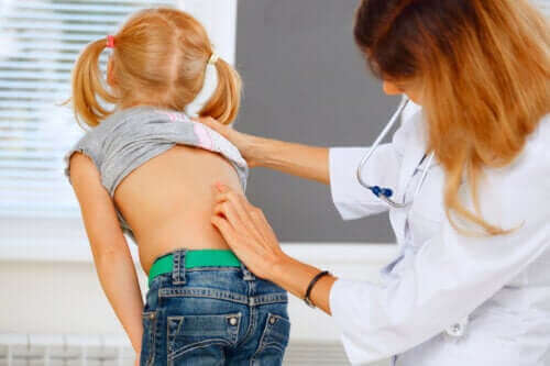 Rugpijn bij kinderen: wat wel en niet te doen