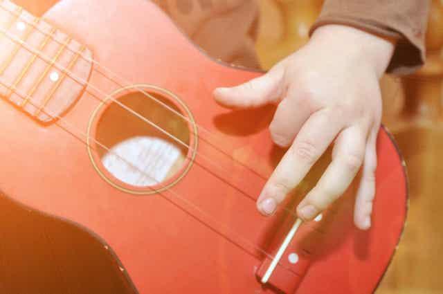 Hoe kun je je eigen muziekinstrumenten maken