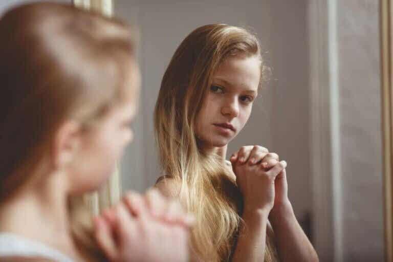 Wat te doen als meisjes zich schamen voor hun lichaam?