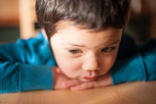 Een laag zelfbeeld bij kinderen, waar op te letten