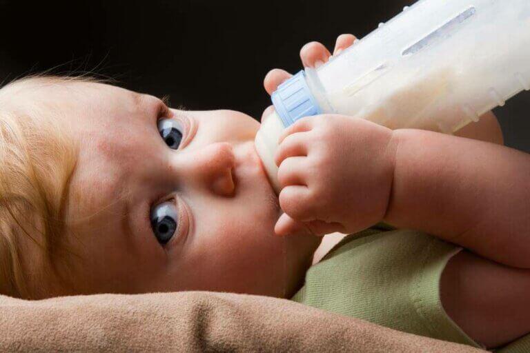 Hoe kies je de juiste flesvoeding voor je baby?