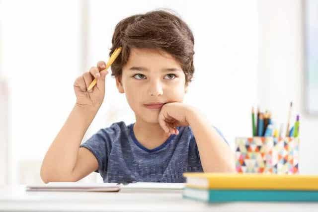 Hoe leer je studenten samenvattingen te schrijven