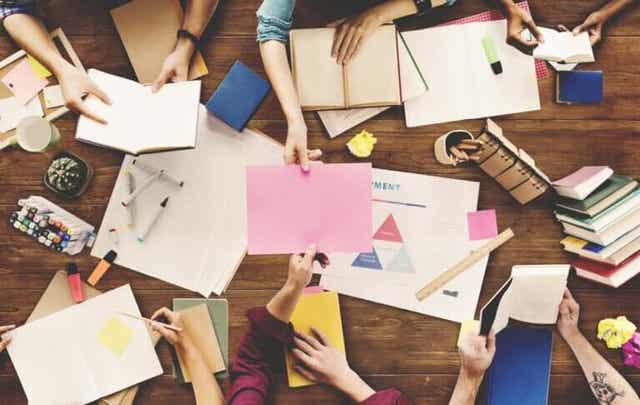 De voordelen van brainstormen in een groep