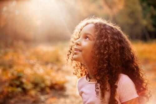 Hoe je je kinderen kunt helpen zich waardig te voelen