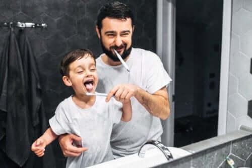 Help je kinderen hun tanden te poetsen zonder je geduld te verliezen