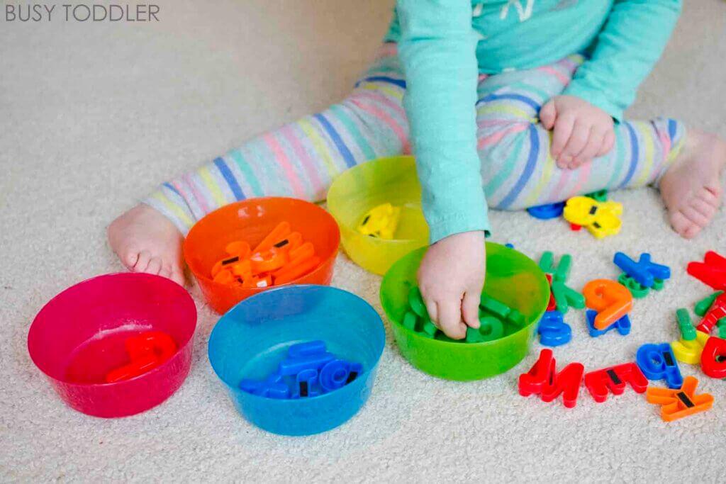 Montessori-spellen voor kinderen van 0 tot 3 jaar