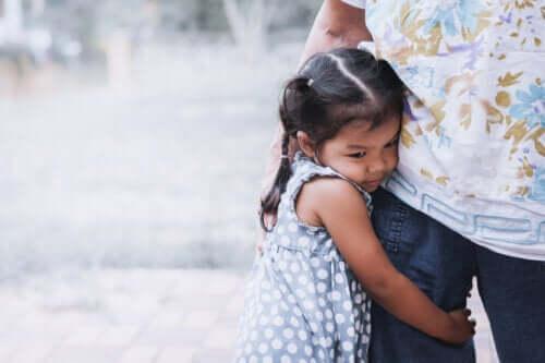 6 kenmerken van overbezorgde ouders