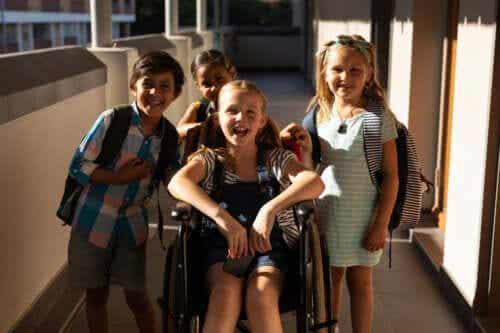 Hoe met kinderen praten over handicaps