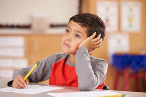 Afgeleide kinderen: welke aandacht moet je versterken?