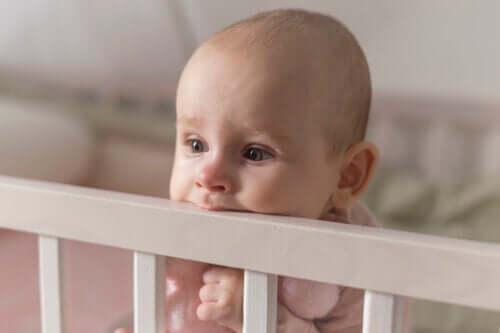 Heeft het doorkomen van tandjes invloed op de slaap van kinderen?