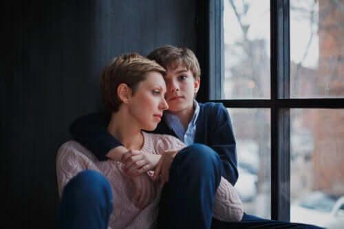 Hoe ongelukkigheid van de ouders kinderen beïnvloedt