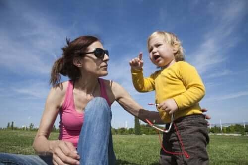 6 manieren om brabbelen van baby's te stimuleren
