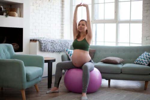 5 Oefeningen tegen rugpijn tijdens de zwangerschap