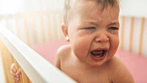 Mijn kind is bang voor zijn wiegje, wat moet ik doen?