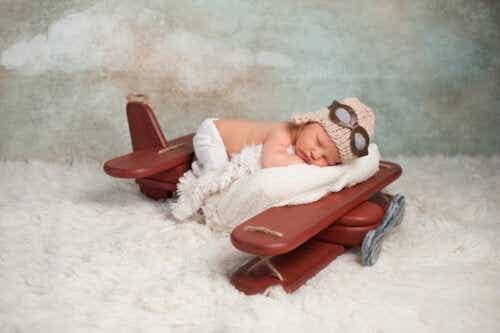 Op welke leeftijd kan een baby met het vliegtuig reizen?
